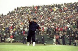 Payne Stewart sinks the winning putt on #18 at the 1999 US Open at Pinehurst.