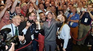 Rory_McIlroy_TheOpen_Selfie_Article1